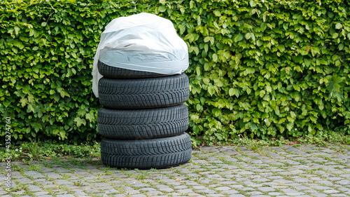 Photo saisonaler Reifenwechsel  Autoreifen selber wechseln