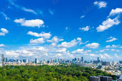 東京風景 初夏 新国立競技場と街並 Fototapet