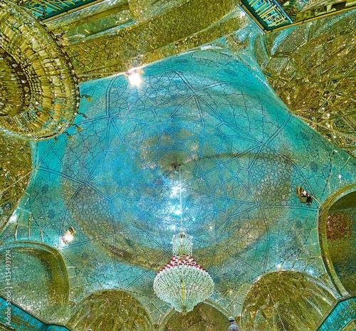The dome of Imam Zadeh Jafar Mausoleum, Yazd, Iran фототапет