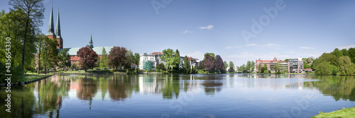 Pano Lübeck Westufer Mühlenteich sonnig entzerrt Fotobehang