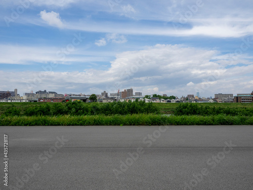 Photo 松原市天美西付近の大和川河川敷の風景
