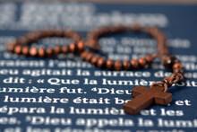 Chapelet Et Bible