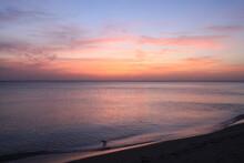 Paysage Du Crépuscule Sur La Plage De Venice En Floride Avec De Belles Couleurs Pastel Du Ciel Et De La Mer
