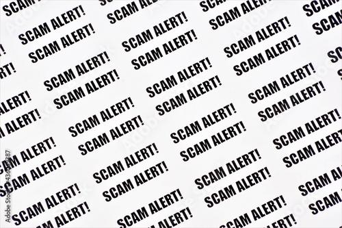 Billede på lærred Scam alert! A lot of text labels