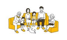 ソファに座る三世代の家族