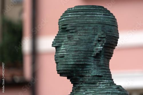 Fotografia urinating statue in prague