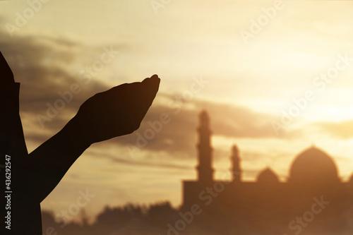 Obraz na plátně Silhouette of hands muslim man praying