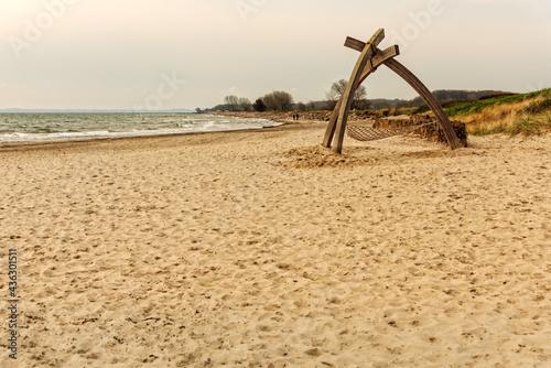 Fotografiet Strand mit einer Liege in Damp an der Ostsee