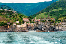 Vernazza, One Of The Five Towns That Make Up The Cinque Terre Region, In Liguria, Italy. It Has No Car Traffic, And Remains One Of The Truest Fishing Villages On The Italian Riviera.