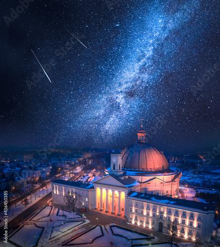 Fotografie, Obraz Falling stars over Catholic Roman Basilica in Bydgoszcz.