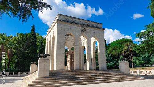 Obraz na plátně ローマ市内、ジャニコロの丘に建つガリバルディ軍の霊廟(Mausoleo Ossario Garibaldino)