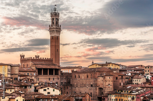 Stampa su Tela panoramic view of the old city of Siena,