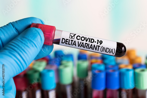 Fotografia Doctor with a blood sample with a new Indian variant of Coronavirus strain called DELTA