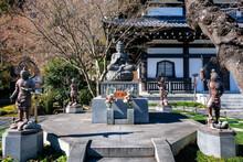 神奈川県鎌倉市 長谷寺 釈迦如来坐像・四天王像