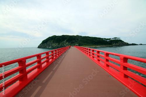 Fotografia 福井県の観光名所、雄島と赤い雄島橋