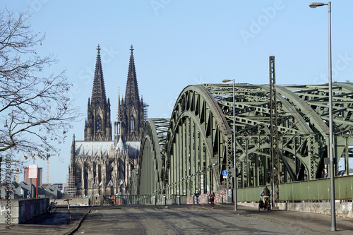 Hohenzollernbrücke und Kölner Dom Fotobehang