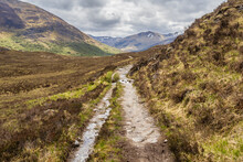 The Affric Kintail Way Is A Fully Signposted, Superb Cross-country Route For Walkers And Mountain Bikers Stretching Almost 44 Miles From Drumnadrochit On Loch Ness To Morvich In Kintail By Loch Duich.