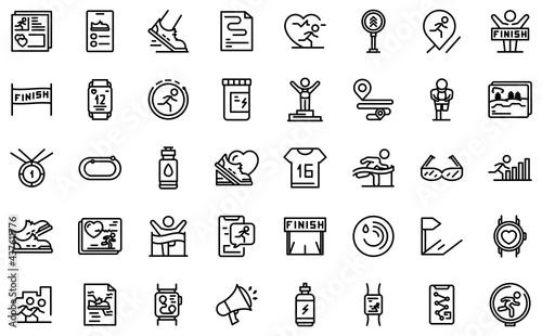 Fototapeta premium Runner app icon. Outline runner app vector icon for web design isolated on white background