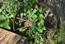 Wagon Wheel Lawn Decoration