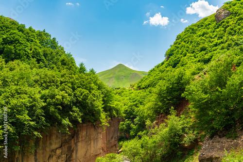 Obraz na płótnie Green canyon in the mountains