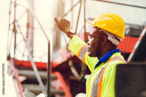 Canvastavla Black African port shipping staff director working in logistic control loading c