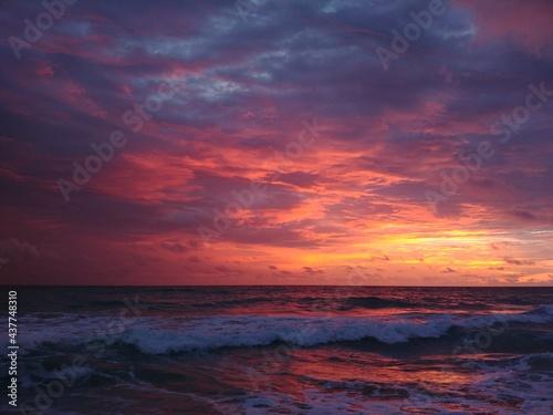 Fotografering A sunrise on the Atlantic ocean, Florida