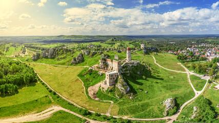 Szlak Orlich Gniazd -zamek w Olsztynie koło Częstochowy w południowej Polsce