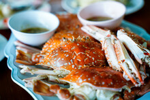 Close Up Stream Crabs Or Portunus Armatus In Serving Bowl With Seafood Sauce Side Dish In Restaurant Table, Fresh Seafood In Thailand.