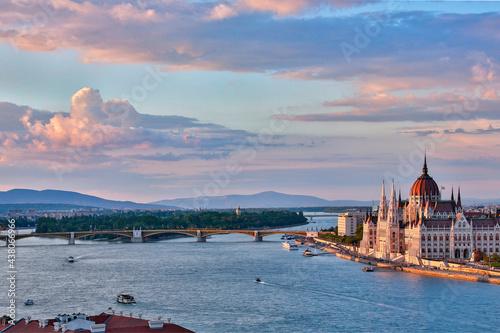Fotografia River Danube and Hungarian Parliament Building - Budapest - Hungary