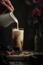Café Frappé Glacé Dans Un Verre Et Lait