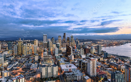 Obraz na plátně Aerial View of Seattle from the Observation Deck at the Space Needle in Seattle,