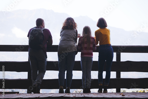 Stampa su Tela happy family on the observation deck