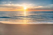 USA, Florida, Boca Raton, Sun Rising Above Sea