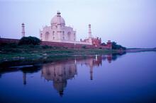 India, Uttar Pradesh, Agra, Taj Mahal Reflecting In River