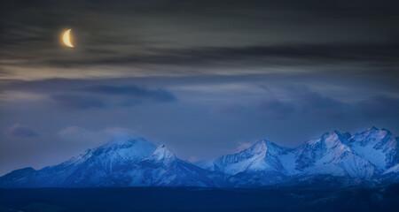 Nocna Panorama Tatr Z Księżycem