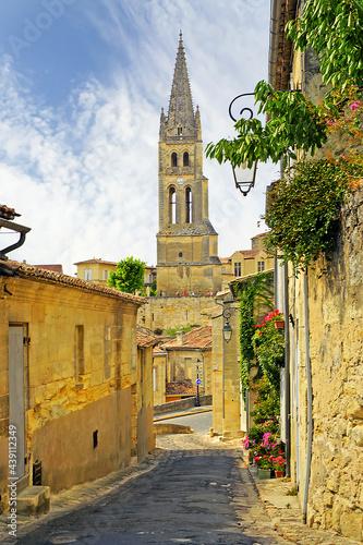 Canvas-taulu Saint-Emilion, Gironde, Aquitaine, France - A UNESCO World Heritage Site