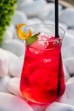 Summer Lemonade With Fresh Berries