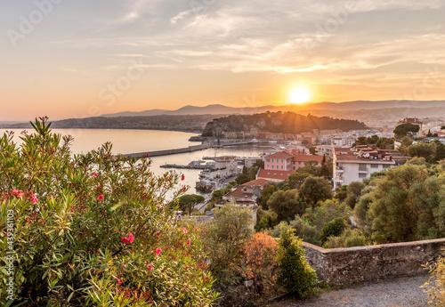 Photo Soleil couchant sur Nice et la Côte d'Azur