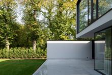 Minimalist Terrace