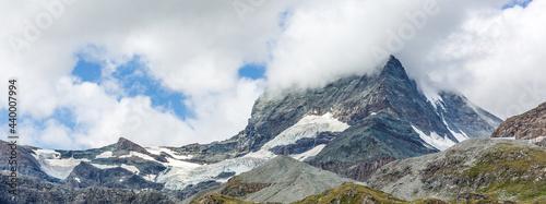 Fotografia panorama mountains with clouds, switzerland