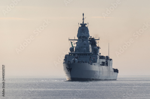 Fényképezés WARSHIP - Guided missile frigate flows to the port
