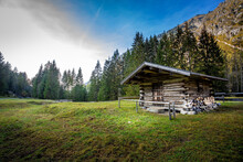 Secluded Hut InOybachtal Valley