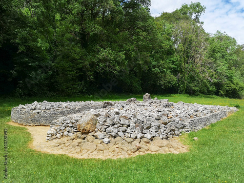 Parc Cwm long cairn, also known as Parc le Breos burial chamber, is a partly restored Neolithic chambered tomb, identified in 1937 as a Severn-Cotswold type of chambered long barrow Fototapet