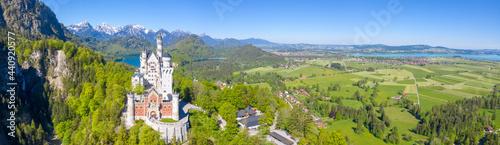 Canvastavla Schloss Neuschwanstein castle aerial view architecture Alps landscape Bavaria Ge
