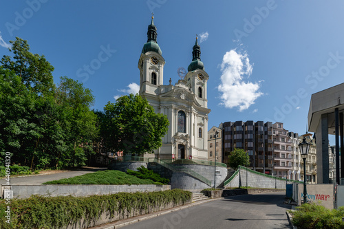 Carta da parati Church of Saint Mary Magdalene - high Baroque church in the center of famous Cze