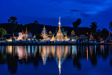 Night Light And Water Reflection Wat Jongklang - Wat Jongkham The Most Favourite Place For Tourist In Mae Hong Son, Thailand.
