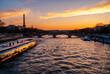Paryż o zachodzie słońca, Francja