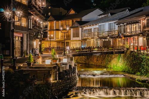 Carta da parati 銀山温泉ライトアップ