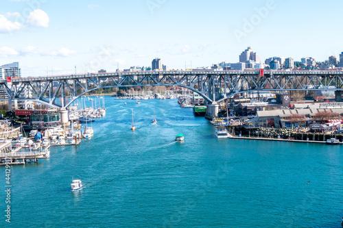 Canvas バンクーバーの船と青い海(俯瞰)