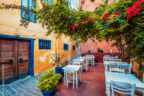 Foto Scenic picturesque streets of Chania venetian town